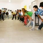 Ginástica laboral – Mantenha-se ativo também no ambiente de trabalho – Por Érika Barroso